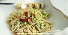 Sphagetti a`la carbonara Tasty Videos, Food Staples, I Foods, Spaghetti, Diet Recipes, Clean Eating, Good Food, Food And Drink, Favorite Recipes