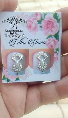 Pri Nails Artesanais Manicures, Swarovski, Make Up, Nail Art, Dolls, Nail Jewels, Pretty Nails, Gorgeous Nails, Jewelry Model