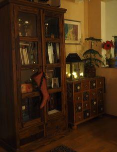 Vaateviidakko: Sohvatyynyt ruiskumaalatusta kankaasta Handmade Christmas Decorations, Diy Christmas, China Cabinet, Reuse, Diy Furniture, Recycling, Interiors, Storage, Home Decor