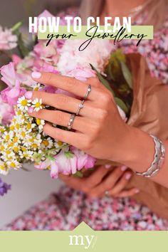HOW TO: schoonmaken van je sieraden. Wij geven je tips voor het voorkomen van verkleuringen zodat jij lang plezier van jouw jewellery party hebt! Nails On Fleek, Diy Clothes, Jewelry Collection, Upcycle, Jewelery, Blog, Cleaning, Inspiration, Beauty