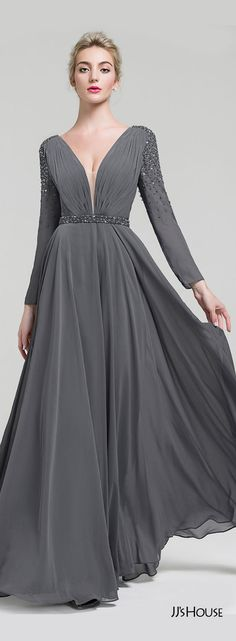 You will be the queen of the dance floor when you choose this eye-catching evening dress that has an alluring bodice and flattering skirt meant for twirling. Affordable Evening Dresses, Grey Evening Dresses, Trendy Dresses, Elegant Dresses, Custom Dresses, Vintage Dresses, Floor Length Dresses, Dream Dress, Modern