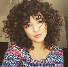 20 Ideas hair cuts short curly natural curls bangs for 2019 Curled Bangs, Curly Hair With Bangs, Haircuts For Curly Hair, Curly Hair Cuts, Cool Hairstyles, Summer Hairstyles, Short Haircuts, Haircut Short, Hairstyles 2018