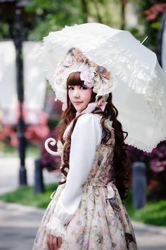 Classic Lolita with parasol
