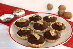 My little kitchen : walnut cupcakes Czech Recipes, Russian Recipes, Christmas Cooking, Desert Recipes, Cupcake Recipes, Sweet Recipes, Sweet Tooth, Cheesecake, Food And Drink