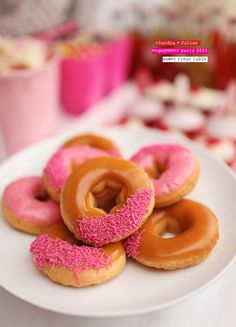 """""""Okay... I wanna donut... and I want frosting. All over it. And I want sprinkles, but NOT all over it. I just want them scrunched over on the edge. You got anything like that?"""" -Brian Regan"""