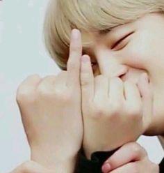 Tae's finger vs jimin's finger