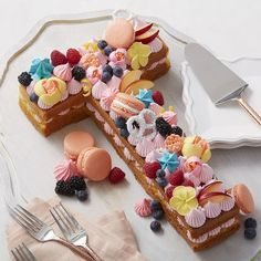 """Fit to a """"T"""" Letter Cake"""