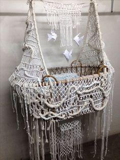 It's a bassinet. A macrame bassinet. Macrame Art, Macrame Projects, Macrame Knots, Art Macramé, Decoration Shabby, Do It Yourself Baby, Micro Macramé, Macrame Patterns, Boho Baby