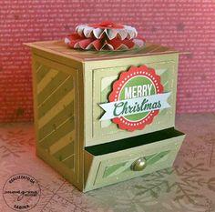 by Sabi - una certezza! 3d Paper Crafts, Paper Gifts, Diy Crafts, Origami Box Tutorial, Candy Dispenser, Envelope Punch Board, Craft Show Ideas, Craft Box, Diy Box