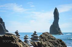 Stone balancing in Reynisfjara, Iceland - Stone balancing in Reynisfjara, Heimaey, Suðurland, Iceland. Þjóðvegur, july 2016.