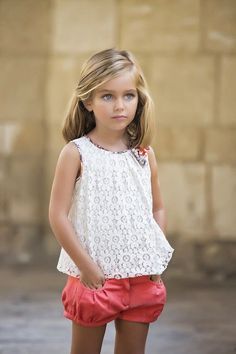 moda infantil 2015 - love the shorts Little Girl Outfits, Little Girl Fashion, Cute Little Girls, Toddler Fashion, Kids Outfits, Kids Fashion, Fashion 2018, Lila Baby, Short Niña