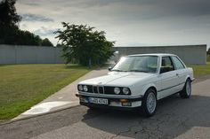 DEF_5873 120805 ClassicDays 413 | jesuspark | Flickr Bmw 325e, Bmw E30, Bmw Cars, Living In Car, Mercedes W124, Bavarian Motor Works, Riding Quotes, Bmw Alpina, Bmw Classic