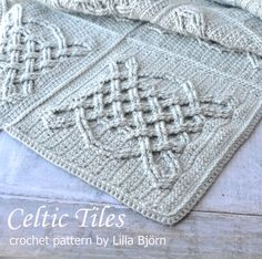 Free pattern Celtic Tiles Blanket consists of 20 cabled squares. It's heavy, warm and cozy. Free crochet pattern will be published soon. Crochet Bedspread, Crochet Quilt, Crochet Afghans, Crochet Yarn, Crochet Hooks, Free Crochet, Crochet Cushions, Crochet Pillow, Crochet Blankets