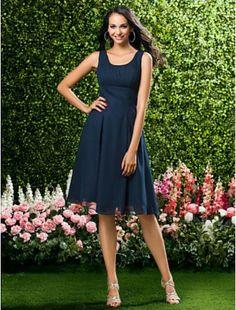 Stunning A-line Straps Knee-length Chiffon Bridesmaid/ Wedding Party Dress