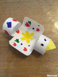 """トイレットペーパーの芯de紙飛行機〜材料1つで楽しめる手作りおもちゃ〜   保育や子育てが広がる""""遊び""""と""""学び""""のプラットフォーム[ほいくる]"""