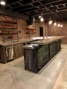 Unfinished Basement Ideas - There are lots of residences which have a built-in basement. Nonetheless, few owners in fact appreciate making use of the space in an effective way. #BasementRemodelIdeas Industrial Basement Bar, Rustic Industrial Decor, Industrial Bars, Basement Lighting, Modern Basement, Industrial Style, Industrial Handrail, Rustic Loft, Kitchen Industrial