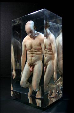 Realistic sculptures of free-floating body parts, 'humans' trapped in formaldehyde & other oddities | Dangerous Minds