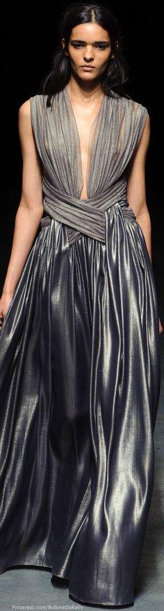 Défilé Yiqing Yin Printemps-été 2014 Haute couture                                                                                                                                                                                 Plus