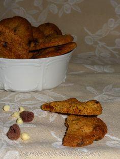 Biscotti d'avena, cioccolato bianco e lamponi essiccati http://ingredienteperduto.blogspot.it/2014/03/biscotti-davena-cioccolato-bianco-e.html?showComment=1394287905128#c4297266630759318028