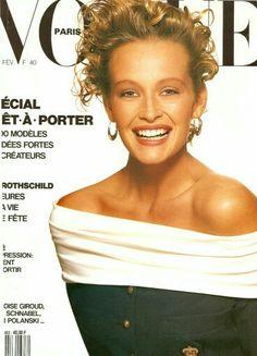 Estelle LeFebure by Patrick Demarchelier for Vogue Paris February 1988 Vogue Paris, Vogue Uk, Patrick Demarchelier, Vogue Magazine Covers, Vogue Covers, Helena Christensen, Saul Leiter, Giroud, 1990s Supermodels