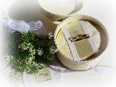 Porta alianzas para la iglesia.. facebook.com/dulce.soffia Facebook, Wedding, Shoes, Ideas, Fashion, Wedding Details, Sweet, Valentines Day Weddings, Moda