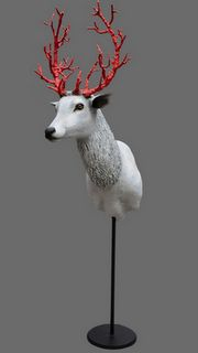Ok deer head can go on the wall if I can bling out the antlers like this!!