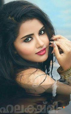 Anupama parameswaran s Beautiful Girl Indian, Most Beautiful Indian Actress, Beautiful Girl Image, Beautiful Eyes, Beautiful Women, Cute Beauty, Beauty Full Girl, Beauty Women, Indian Natural Beauty