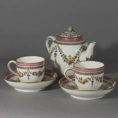 Sevres Calabre Teapot 18th Century