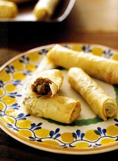 Phyllo Cigars - Lamb & Mint Filling or Feta-Olive Filling only Oval Office Style. Phyllo Dough Recipes, Appetizer Recipes, Appetizers, Jewish Recipes, Greek Recipes, Paleo Food List, Greek Cooking, Savoury Baking, Lamb Recipes