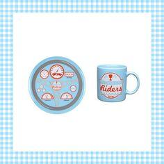 Eten vanaf je dashboard met deze eetset voor kinderen! http://dekinderkookshop.nl/product/racewagen-servies-blauw/