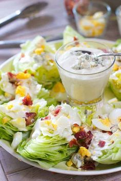 Wedge Salad Platter for a Crowd! - This beautiful and unique salad will be a hit at your next party! It takes only minutes to make with easy store bought ingredients! #salad #holidaysidedish #partyfood #foodforacrowd #saladforacrowd #holidaysalad Lunch Snacks, Clean Eating Snacks, Salads For A Crowd, Food For A Crowd, Soup And Salad, Pasta Salad, Shrimp Salad, Chicken Salad, Farro Salad