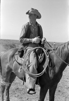 "1939 Photo, Cowboy on Horse, Texas, Rope, Lasso, antique, 16""x11 print WEST"