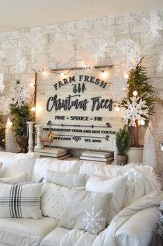 diy paper doily snowflakes farmhouse christmas decorcountry - Farmhouse Christmas Decor Pinterest