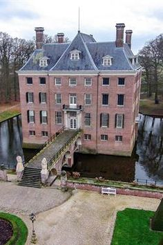 Castle Amerongen The Netherlands Beautiful Castles, Beautiful Places, Wilhelm Ii, Holland Netherlands, Grand Homes, Historical Architecture, Utrecht, Historic Homes, Amsterdam