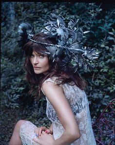 LÆKKERT!! Helena Christensen. Photo by Olivia Frölich.