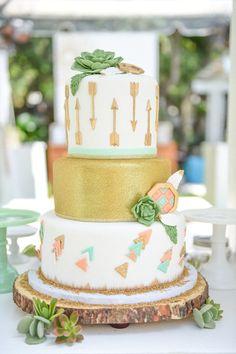 Boho arrow cake: http://www.stylemepretty.com/living/2015/09/21/boho-chic-baby-shower/ | Photography: Tutti Bambini - http://www.tutti-bambini.com/