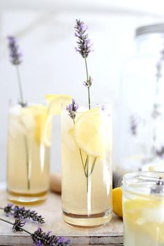 Lavender lemonade infused with calming lavender buds and lightly sweetened with low sugar sweetnener. A delicious twist to an average glass of lemonade! Gluten Free Drinks, Healthy Gluten Free Recipes, Easy Recipes, Vegan Recipes, Lavender Lemonade, Lavender Buds, Fruit Drinks, Healthy Drinks, Healthy Meals