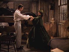 Clark Gable and Vivien Leigh in Gone with the Wind in her dress made from curtains Old Movies, Great Movies, Marie Laforêt, Rhett Butler, Scarlett O'hara, Watch The Originals, Vivien Leigh, Clark Gable, Gone With The Wind