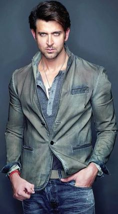 Hrithik Roshan urges cyber crime division to nail imposter - Mumbai Mirror -