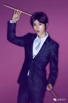 Luhan is a Youthful Gentleman in Pictorial & BTS Cuts with 'SWeekly'! | Koogle TV