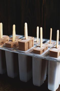 Easy Low-Carb Fudge Popsicles Recipe - Simply So Healthy Fudge Popsicle Recipe, Popsicle Recipes, Low Carb Deserts, Low Carb Sweets, Healthy Deserts, Ketogenic Recipes, Low Carb Recipes, Atkins Recipes, Healthy Recipes