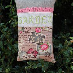 Grand sac de 100 % lavande garden brodé main en vert anis et dentelle rose passé