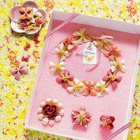 Un collier de pâtes colorées pour la fête des mères - Marie Claire Idées