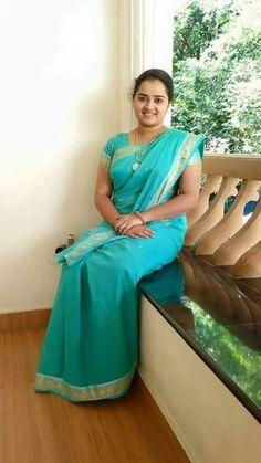 Sea homely Kannada wife in green saree Beautiful Girl In India, Beautiful Women Over 40, Beautiful Muslim Women, Most Beautiful Indian Actress, Beautiful Saree, Beautiful Babies, Indian Natural Beauty, Indian Beauty Saree, Beauty Full Girl