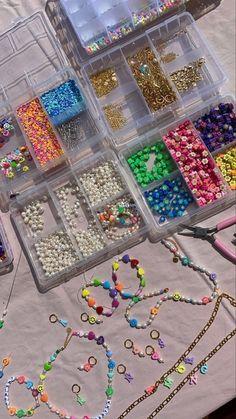 Bead Jewellery, Beaded Jewelry, Jewelery, Handmade Jewelry, Beaded Bracelets, Cute Jewelry, Jewelry Crafts, Jewelry Accessories, Pulseras Kandi