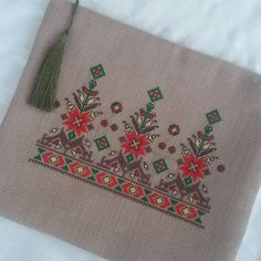 Bargello, Diy Arts And Crafts, Embroidery Art, Hgtv, Projects To Try, Coin Purse, Cross Stitch, Sewing, Handmade