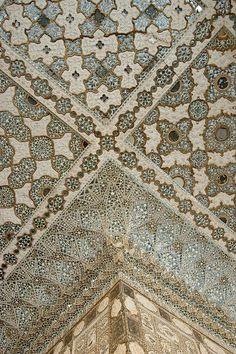Amer Fort detail in Jaipur, Rajasthan - India