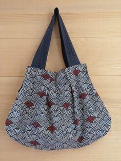 Sac réalisé en tissu traditionnel japonais.