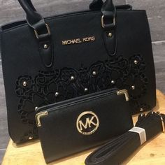 **NEW STOCK** ONLY @treasure__boxx Lastest Replica Designer Handbags [High Quality] First Come First Serve Basis #Handbags #Designer #Replica #HighQuality #Sale #WomensBags #Women #Fashion #LatestTrends #Spring #Collection #TedBaker #JimmyChoo #MichaelKors #MK #LouisVuitton #LV #Mulberry #YSL #Chloe #StellaMcCartney #Cute #Batley #Dewsbury #Bradford #Delivery #Wakefield #Midlands #WestYorkshire http://butimag.com/ipost/1495604420653515630/?code=BTBdEvpjoNu