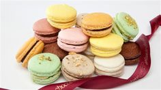 Colourful, petite and sophisticated, macarons are too delicious to resist! Try this classic vanilla macaron recipe from renowned Melbourne Chef Arno Backes of Ganache. Vanilla Macaron Recipes, Chocolate Macaron Recipe, Macaroon Recipes, Almond Recipes, Dessert Recipes, Desserts, Chocolate Roulade, Lindt Chocolate, Diner En Blanc